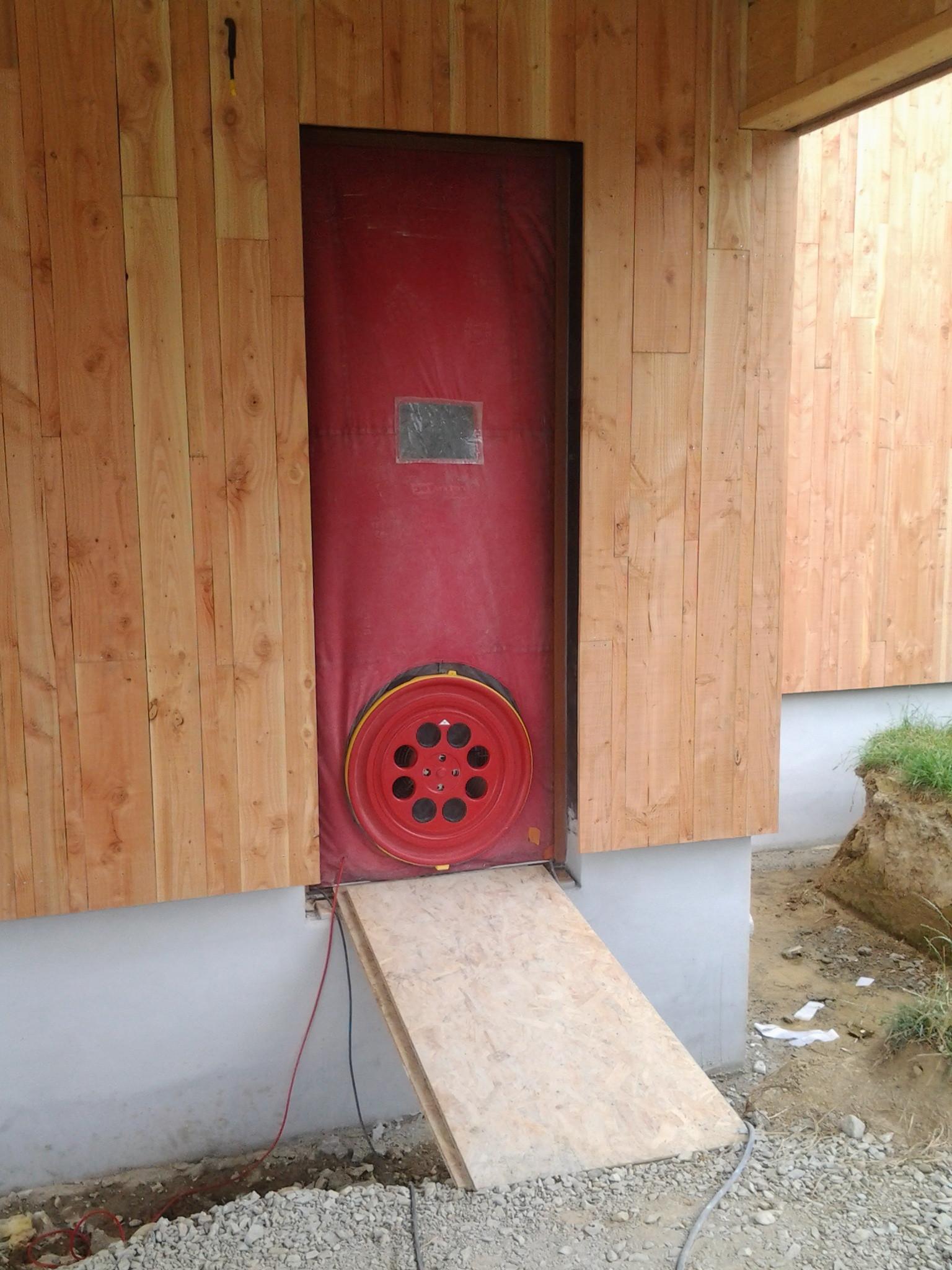 L 39 tanch it l 39 air conseils thermiques for Prix maison rt 2012